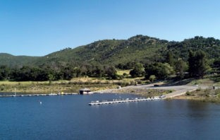 Photo of Lake Sutherland's boat dock and launch ramp